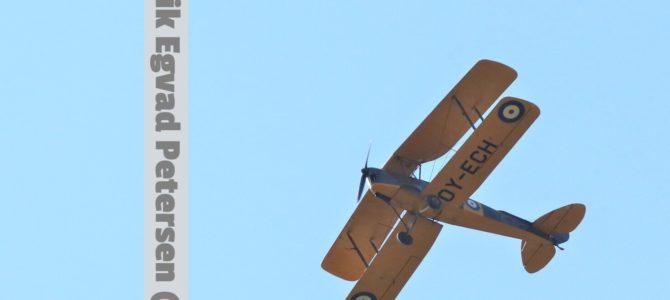 Publikumssucces: Historisk flyangreb blev opført i Soldaterskoven i Tønder – SE VIDEO